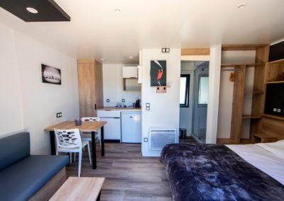 Le confort et les services d'une chambre d'hôtel en pleine nature